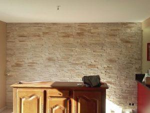 Revêtement mural en pierre de parement